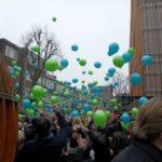 Ballonnen oplaten @Nicolaas Maesschool Amsterdam